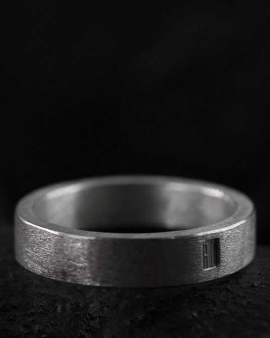 matte silver band ring ___perfect for the modern bohemians who likes to don stack of rings daily. simplicity and elegance in form and material. it's a classic value to rely on. wear just one or combine multiple pieces and create your own ring artwork on your hands.