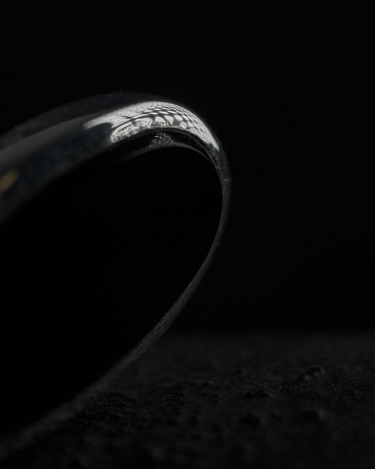 if you keep your style timeless and classic and never forget a little wow-factor ___ then this sterling silver ring mixed with oblique oval onyx is made for you.