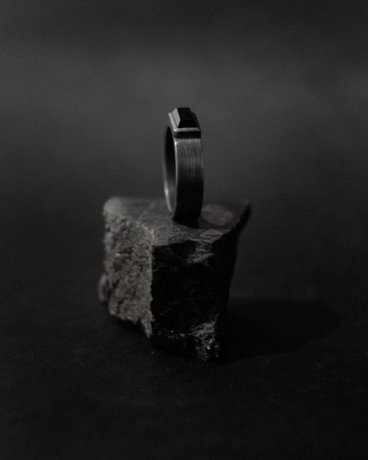 be yourself in the rawest, purest, most naked way ___be bold, be brave, be whoever you want to be while wearing this oxidized matte sterling silver ring mixed with 4 x 9 mm onyx stone.