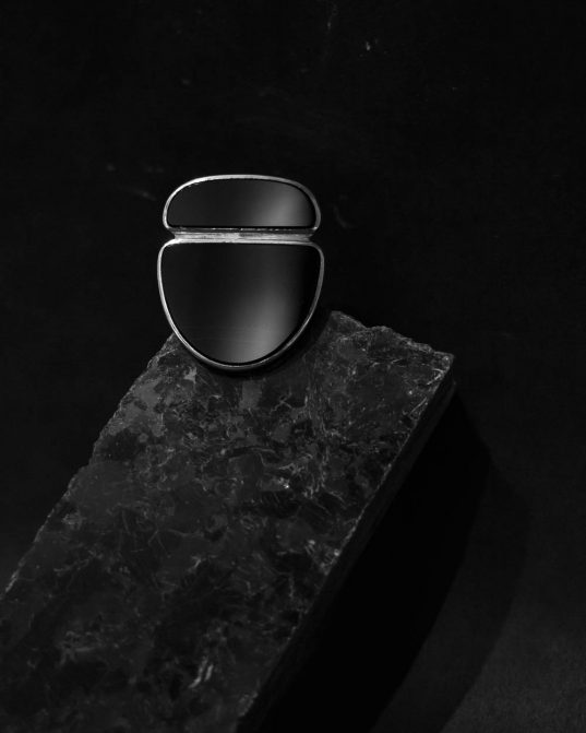 trust us ___two stones are better than one. this ring is for the whimsical woman with a fashion-forward bend. made from two different size and form onyx that's almost meeting in the center, noding to two characters that's together became a unique union.