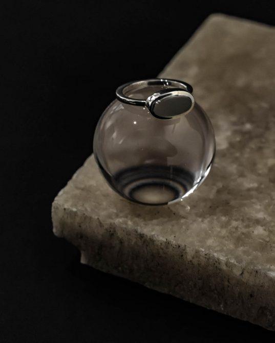 ovāls, pienains cacholong opāla gredzens
